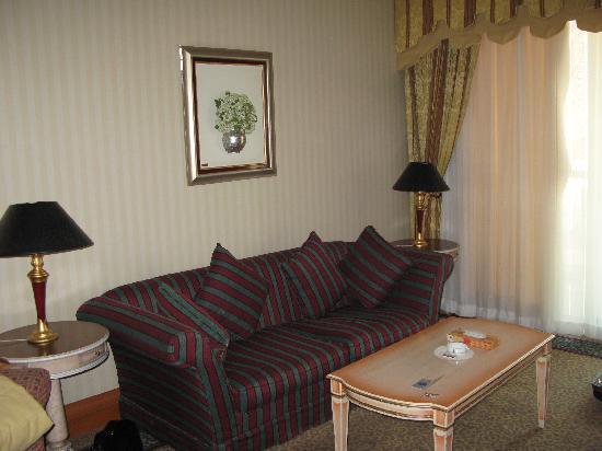 نمایی از هتل استقلال