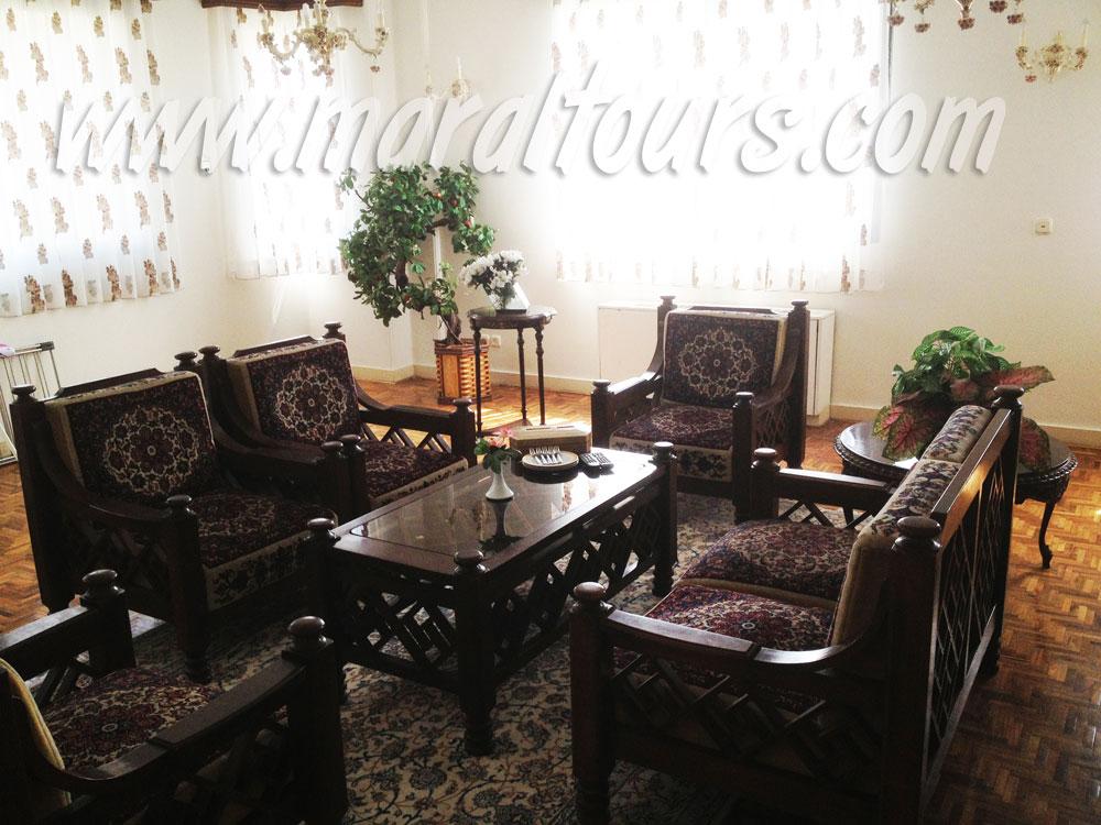 اتاق پذیرایی هتل نیاوران تهران