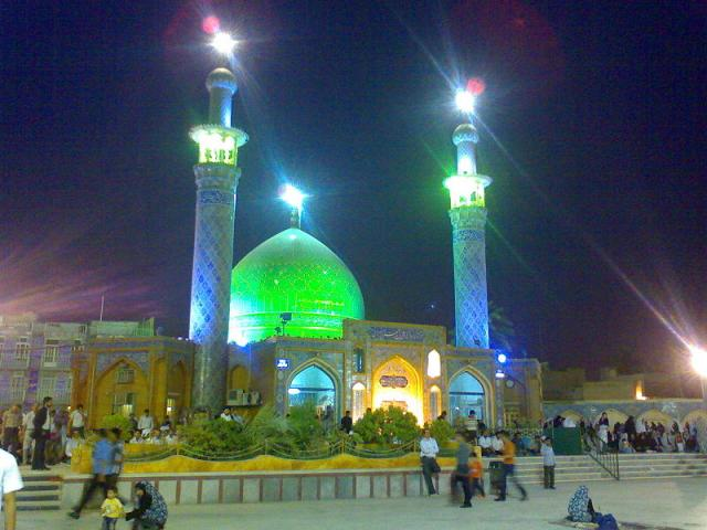 Ali ibn Mahzyar Ahwazi, who in the third century AD. BC even have been, jurists, scholars and famous scientists and closely Shiite Imam Reza (AS), Imam Jawad (AS), Imam Hadi (AS) and Imam Hassan Askari (AS) and to the religious orders they received, and in some the regions, especially in Ahvaz as was his agent.