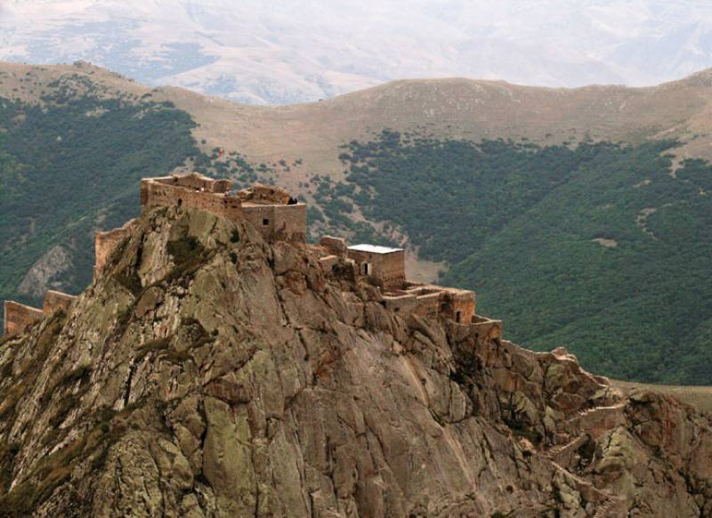 Babak Castle also known as the Immortal Castle or Republic Castle, is a large citadel and National Symbol of Iranians on the top of a mountain in the Arasbaran forests, which is located 6 km southwest ofKalibar City in northwestern Iran.