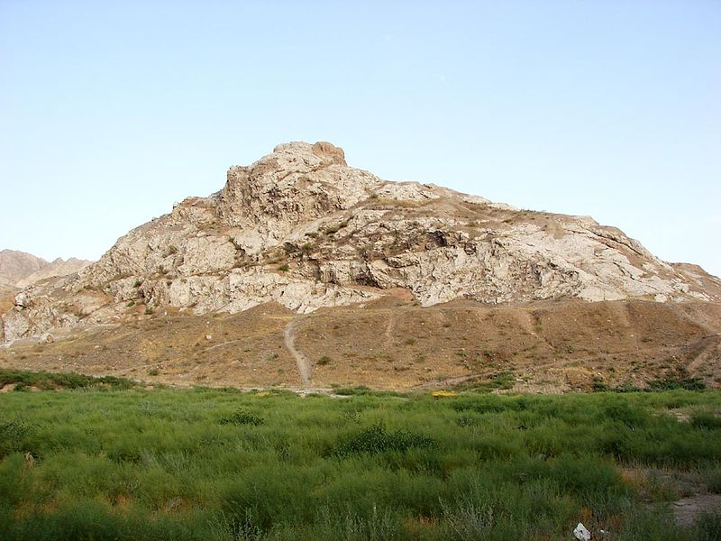 Rashkan castle near Safaieh (neighborhood) is Cheshmeh Ali Ray and hills. One of the fortress and castles guard Ray was the core. The castle is composed of rubble stone and mortar structure, belonging to the Parthian period. The last stronghold attributable to Fakhr al-Dawla Dailami Ibn pillar, called FAKHRABAD.