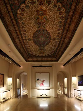 In 1355 AD, space for maintenance works and objects of art palace in the western side of Farah Diba donated to or purchased by him with four rooms on the ground floor and a lounge in the basement were considered. On the ceiling of the main hall of the museum, painting on wood with floral motifs and birds can be seen Shiraz. The museum was opened in February 1376.
