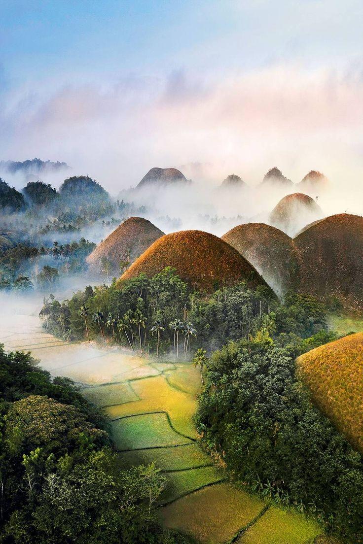 تپه های شکلات در فیلیپین