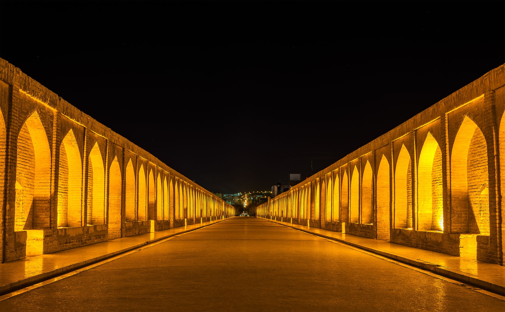 اصفهان، نصف جهان
