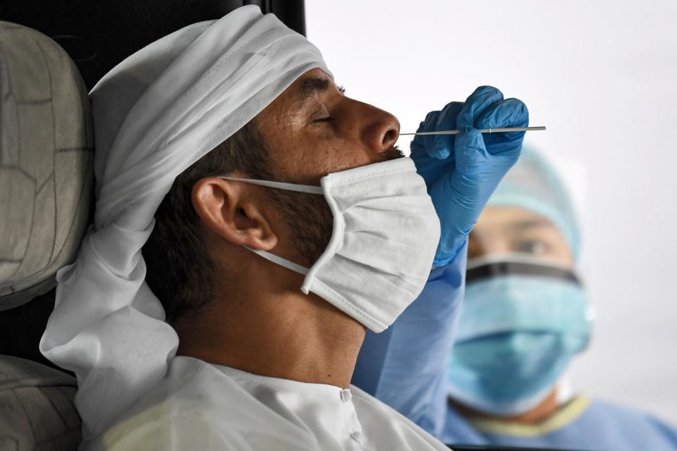 آزمایشگاه های مورد تایید انجام تست کرونا برای مسافرین امارات
