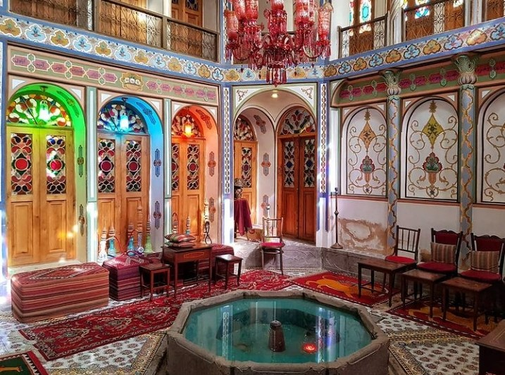 خانه ملا باشی، رنگی ترین خانه اصفهان