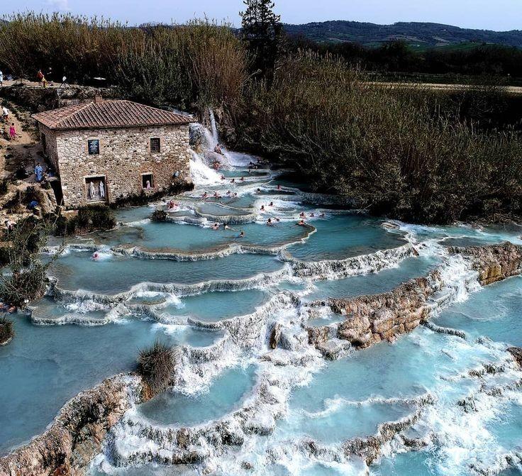 ساچورنیا ، استخرهای چشمه آبگرم ایتالیا